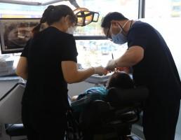 우리 복지관과 장애인 치과진료 협약을 맺은 의료생협 희망등대치과의원에서 치과 진료를 받고 있는 고객